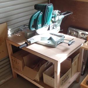 スライド丸鋸用の台
